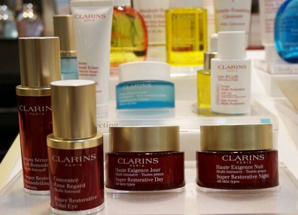 My Clarins Gold Tri Active Facial Experience