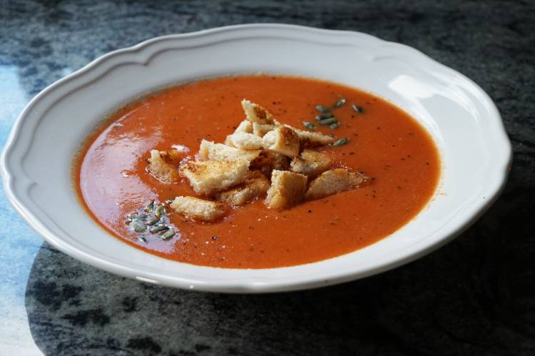 Foodie Favourites: Winter Red Pepper & Tomato Soup