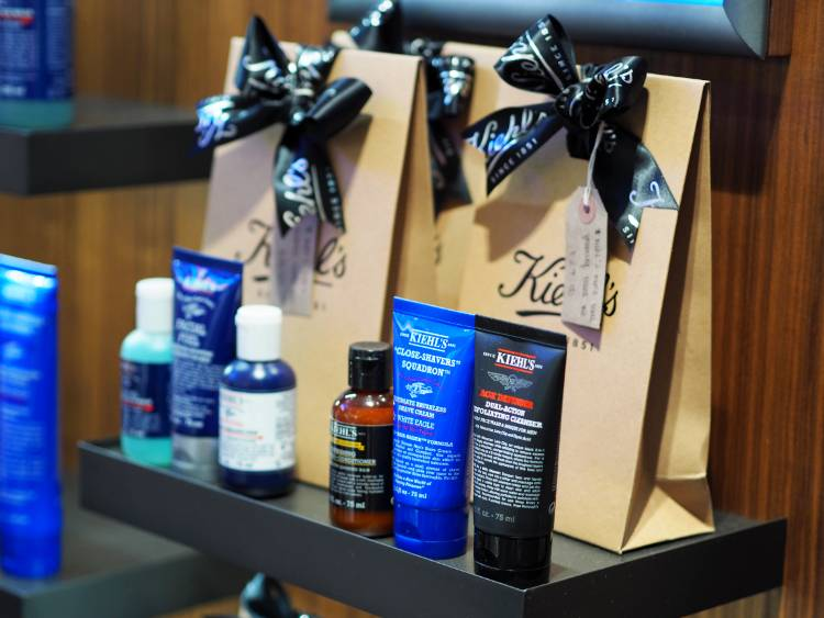 Kiehls, Skincare, Beauty, Midnight Recovery Oil, Calendula, Serum, moisturiser, cleanser, Ultra face cream, face mask, sensitive skin, rosacea, combination skin, skin hydration
