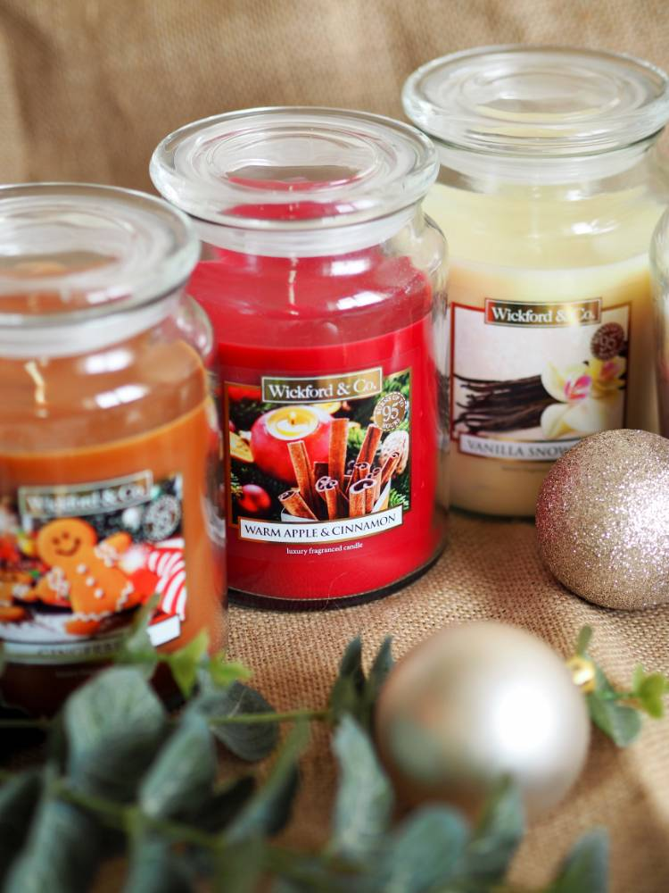 Home fragrance, Christmas candles, wax melts, candles, diffusers, Christmas fragrances, haul, gift guide, stocking filler, Blogmas, Blogmas 2017, vlogmas, Home Bargains, Wickford & Co, Next, diffusers, Yankee Candle, Stocking filler, gift, dupe, Gingerbread,