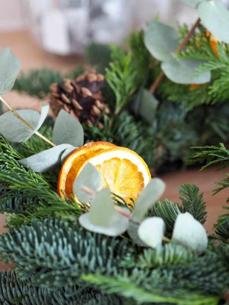 Christmas wreath making, wreath, Cobbles Kitchen and Deli, Festive Afternoon Tea, Mince pies, Scones, Dried oranges, Homemade, DIY, festive, Christmas, Blogmas, Blogmas 2017, Vlogmas,