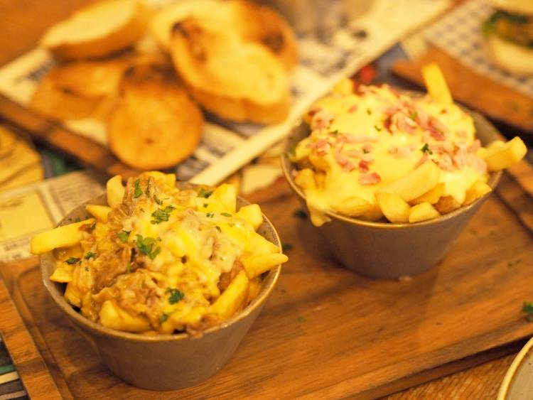 The Hashery, Restaurant, Eating Out, Review, Cardiff, lifestyle, Food, Burgers, Dirty Fries, Places to Eat, Date Night, Live Music, Charity, The Wallich